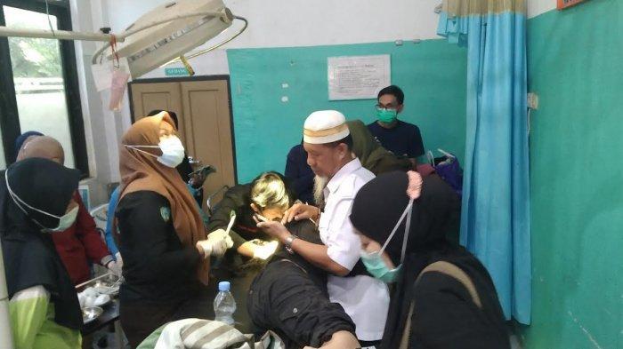 Eva sedang menerima perawatan intensif di Puskesmas Bantimurung /TRIBUN-TIMUR.COM/NURUL