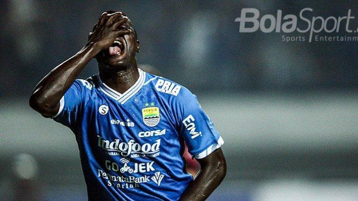 Bursa Pemain Liga 1 - Ezechiel NDouassel Tinggalkan Persib! Mario Gomez Diincar Arema FC, Borneo FC?