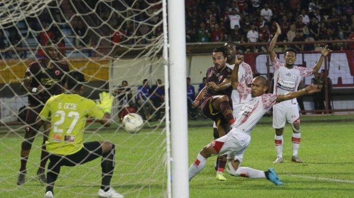 Yess, Menit 12 Ezra Walian Jebol Gawang Persipura, PSM Unggul Sementara 1-0