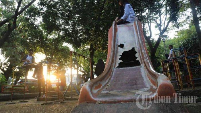FOTO: Taman Segitiga Makassar Butuh Perhatian - fa81.jpg