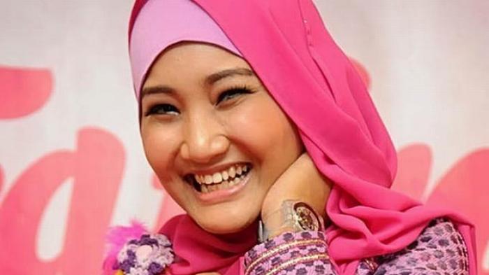 Jarang Muncul di TV, Penyanyi Cantik Fatin Shidqia Lubis Ternyata Dalam Masalah