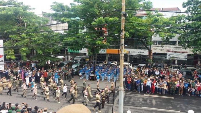 Begini Meriahnya Parade Defile HUT ke 72 TNI di Makassar, Lihat Foto-fotonya - fil7_20171005_124927.jpg