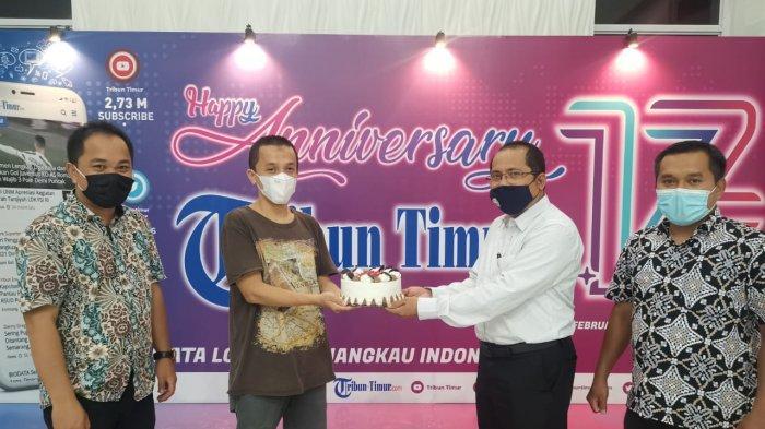Foto: Dekan FKIP UIM Sampaikan Selamat Ulang Tahun ke-17 Tribun Timur