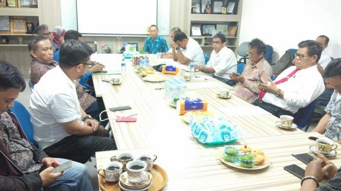 Nasib Guru Honorer Dibahas Forum Dosen dan Rektor UNM