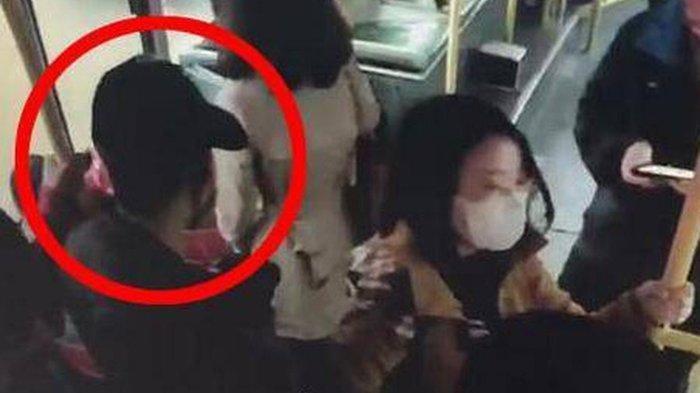 Aksi Bocah Selamatkan Ibunya dari Orang Jahat di Dalam Bus, Bikin Penumpang Kagum