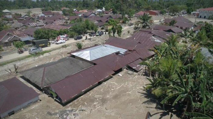 Relawan FTI UMI Salurkan Hasil Donasi Rp 151 Juta untuk Korban Banjir Bandang di Luwu Utara