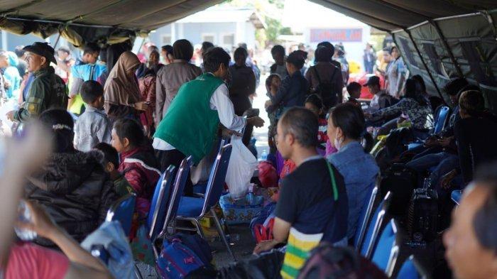 Foto-foto Tim Mahasiswa FTI dan Fakultas Kedokteran UMI, ACT, MRI, Layani 176 Pengungsi dari Wamena - fti-umi-wamena-4-3102019.jpg