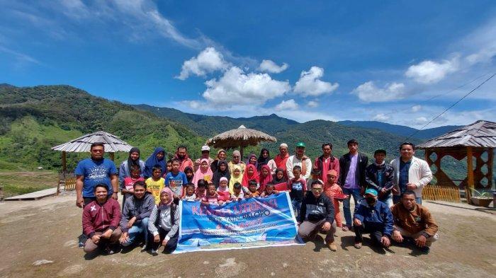 Dosen FTIK IAIN Palopo penyelenggara Kemah Literasi di Desa Rinding Allo, Kecamatan Rongkong, Kabupaten Luwu Utara.