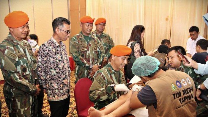 Foto Korpaskhas TNI AU, Galesong Group, Swiss-Belinn Panakkukang Sunatan Massal dan Donor Darah