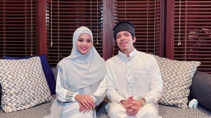 Trend Baju Lebaran 2021? Intip 5 Gaya Aurel Hermansyah Istri Atta Halilintar Pakai Hijab & Gamis Ini