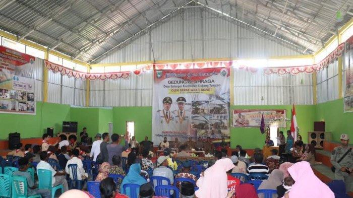 Wakil Bupati Pangkep Resmikan Gedung Sarana Olahraga di Desa Satanger