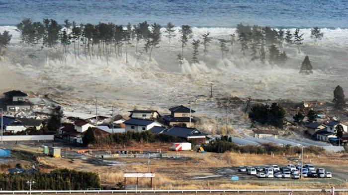 Viral Info Gempa Bumi 8,8 SR dan Tsunami 20 Meter Berpotensi Terjadi di Pulau Jawa, Begini Faktanya