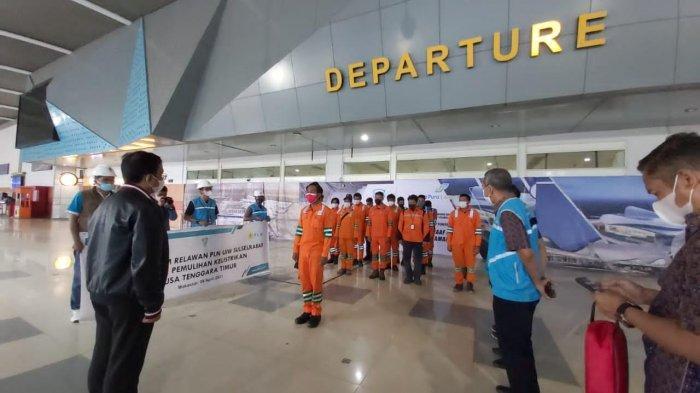19 Personel PLN Sulselrabar Berangkat ke NTT Demi Pulihkan Jaringan Listrik