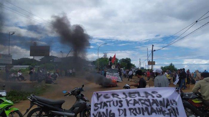 BREAKING NEWS: Demo Kedatangan 20 TKA, Gerakan Rakyat Bantaeng Blokade Poros Bantaeng-Bulukumba