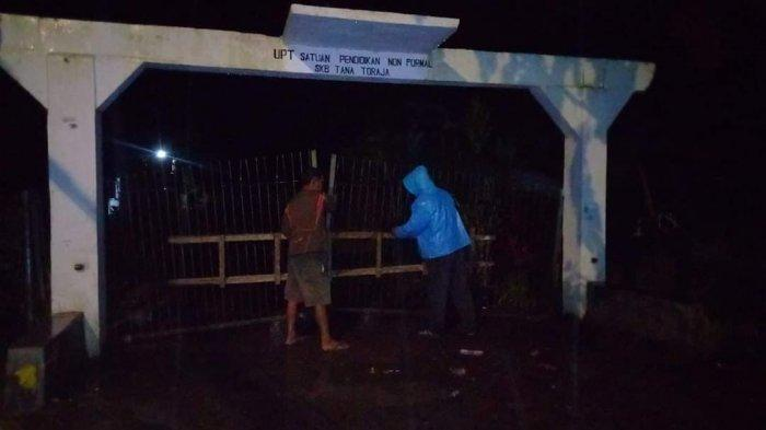Tolak Jadi Lokasi Karantina Pasien Virus Corona, Gerbang SKB Ge'tengan Tana Toraja Dipalang Warga