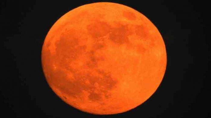 Hujan dengan Intensitas Ringan, Warga Polman dan Majene Tidak Bisa Saksikan Gerhana Bulan Total