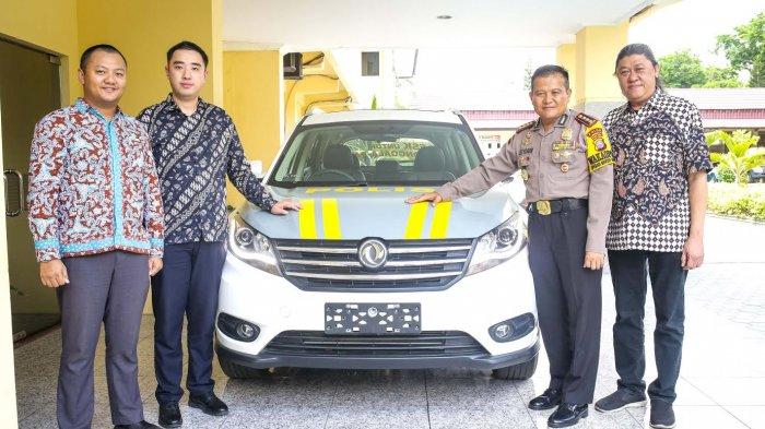 DFSK Indonesia Donasikan Mobil Glory 580 ke Polda Sulawesi Tengah