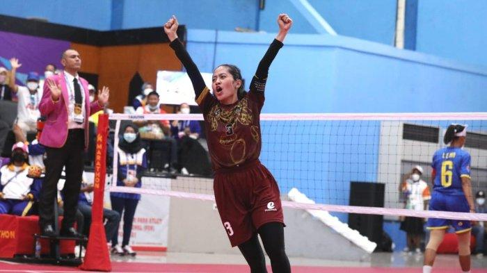 Disemangati Ganjar Pranowo, Tim Sepak Takraw Putri Jateng Bangkit Hingga Raih Emas - gubernur-ganjar-pranowo-menyemangati-tim-atlet-sepak-takraw-putri-jateng-4.jpg