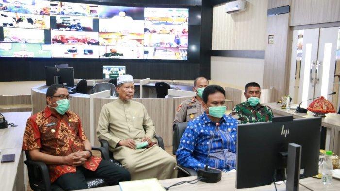 Lewat Video Conference, Bupati Barru Ungkap Minim Alat Pelindung Diri Penanganan Covid ke Gubernur