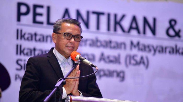 Hadiri Pelantikan Pengurus IKM dan ISA Sidrap, Nurdin Abdullah Puji Potensi Sidrap