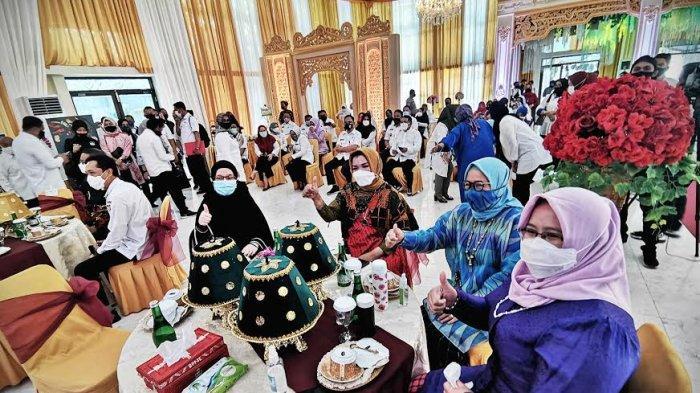 Gubernur Sulawesi Selatan Nurdin Abdullah meresmikan Gedung PKK Sulsel Jl Masjid Raya Makassar, Rabu (16/9/2020). Gedung ini diresmikan usai mengalami rehabilitasi dibeberapa bagian. tribun timur/muhammad abdiwan
