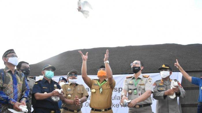 Sulbar Ekspor 8 Ribu Ton Cangkang Kelapa Sawit ke Thailand