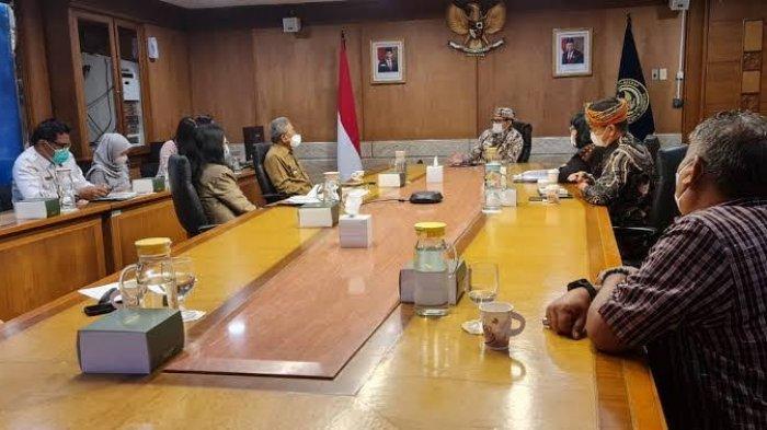 Gubernur Ali Baal Masdar Temui Sandiaga Uno, Bahas Pengembangan Wisata Sulbar