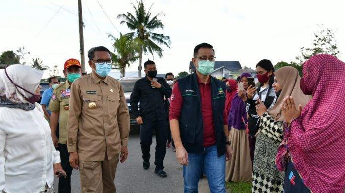 Nurdin Abdullah dan Judas Amir Dampingi Mensos Tinjau Rumah Warga Penerima Bansos PKH