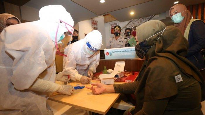 Gugus Tugas Covid-19 Palopo Rapid Test Mendadak Pengunjung Warkop dan Rumah Makan