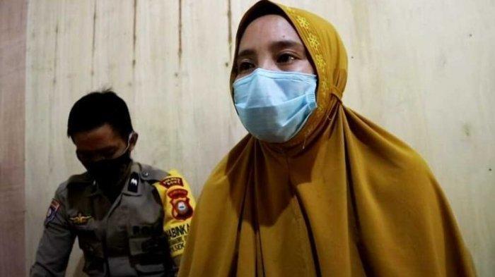 Guru Hervina Ngajar Lagi Setelah Digaji Rp700 Ribu Per 4 Bulan Padahal UMR Bone Capai Rp3.165.826