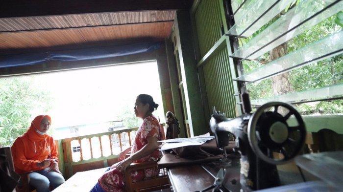 Tukang Jahit di Pangkep Menanti Bantuan Modal Anir-Lutfi