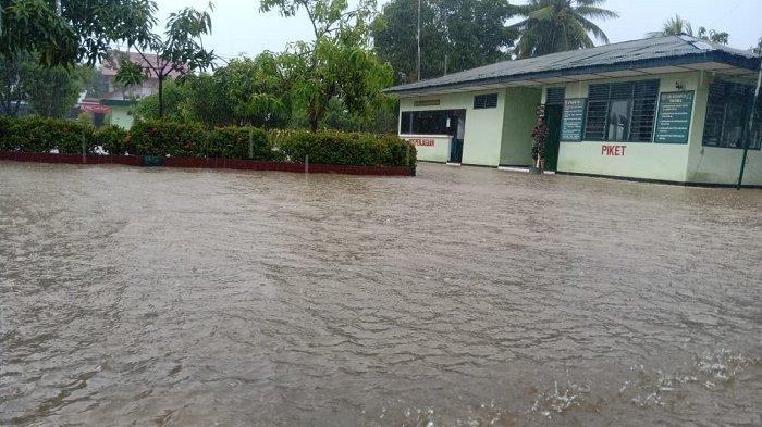 Setelah Tanah Longsor di Desa Pattongko, Kini Kota Sinjai Dilanda Banjir