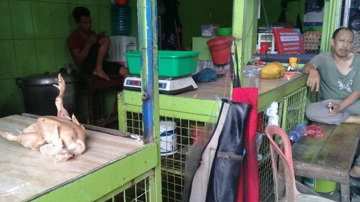 Harga Telur di Pasar Pa'baeng-baeng Naik, Ayam Normal