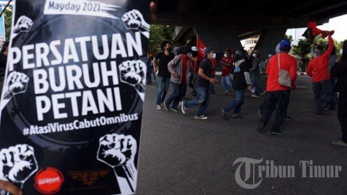 FOTO: Aksi Memperingati Hari Buruh di Makassar - hari-buruh-di-fly-over-sabtu-152021-1.jpg
