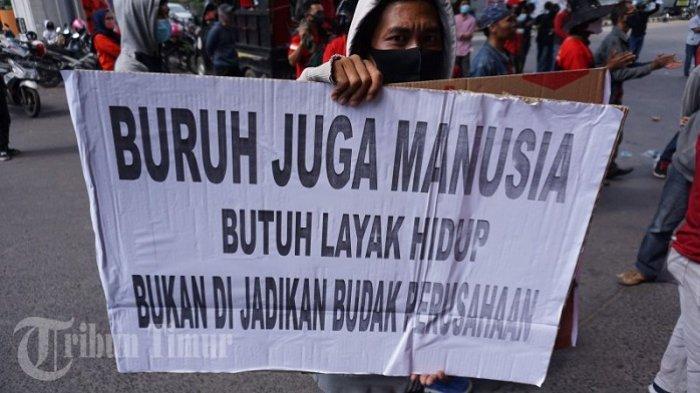 FOTO: Aksi Memperingati Hari Buruh di Makassar - hari-buruh-di-fly-over-sabtu-152021-2.jpg