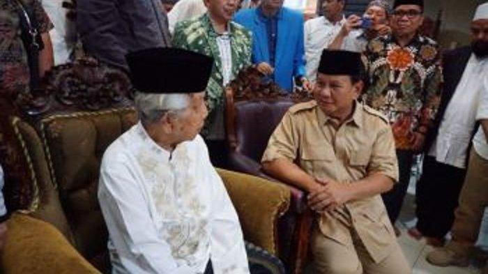 Menteri Pertahanan Prabowo Subianto menemui AGH Sanusi Baco pada perhelatan Pipres lalu. Saat itu, Prabowo Subianto maju sebagai calon presiden.
