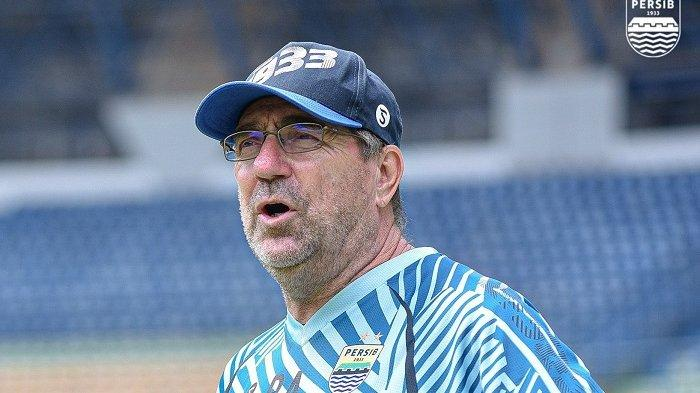 Pelatih Robert Alberts Akui Rencana Persib Bandung Amburadul karena Covid-19
