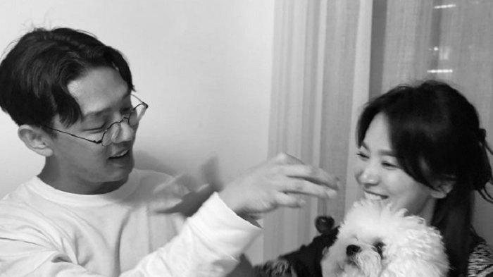 Song Hye Kyo memosting foto kebersamaan aktor Yoo Ah In di akun Instagramnya, Minggu (11/7/2021).