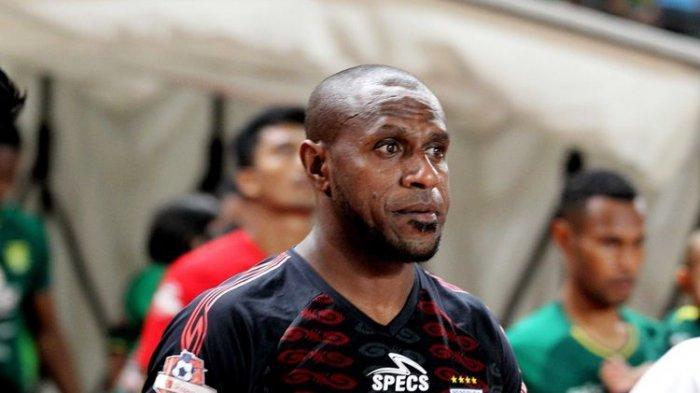 Boaz Solossa Dikaitkan Persib Bandung Setelah Hengkang dari Persipura