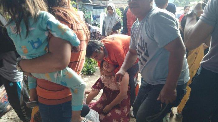 Dapat Kabar Anaknya Meninggal, Ibu Abimanyu Korban Tenggelam di Sungai Mambi Mamasa Pingsan