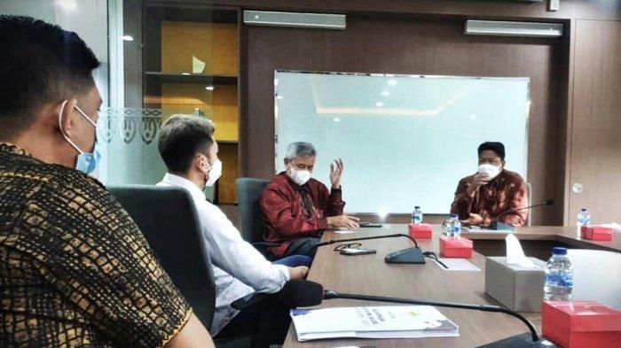 Pengurus Himpunan Pengusaha Muda Indonesia (Hipmi) Sulsel periode 2020-2023 melakukan audiensi di kantor Bank Mandiri Regional X Sulawesi dan Maluku, Jl R.A Kartini, Makassar, Selasa (1622021). Audiensi ini dalam rangka silaturahmi pengurus baru ke mitra kerja. tribun timurmuhammad abdiwan