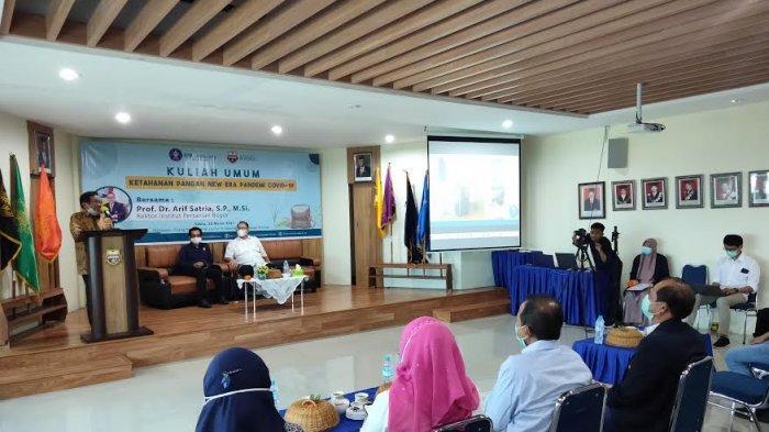 Demi Ikuti Kuliah Umum Pertanian, Aksa Mahmud Tunda Keberangkatan ke Jakarta