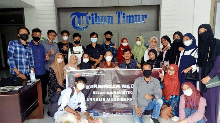 Mahasiswa Sosiologi Agama UIN 'Perkenalkan' Kelas Jurnalistik di Tribun Timur