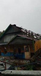 Kecamatan Malunda Majene Diterjang Angin Kencang