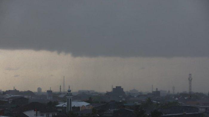 PERINGATAN DINI BMKG! Daerah Ini Diprediksi Cuaca Ekstrem, Hujan Petir dan Angin Kencang, Makassar?