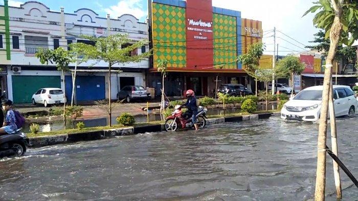 Hujan Deras, Sejumlah Ruas Jalan di Gowa Tergenang Air