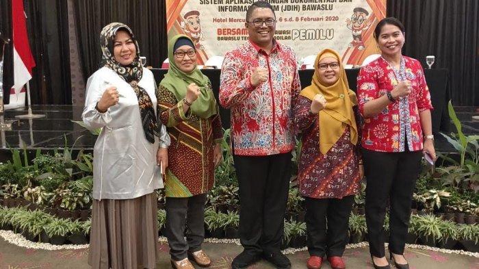 Kordiv Hukum Bawaslu Sulbar Hadiri Launching JDIH di Padang