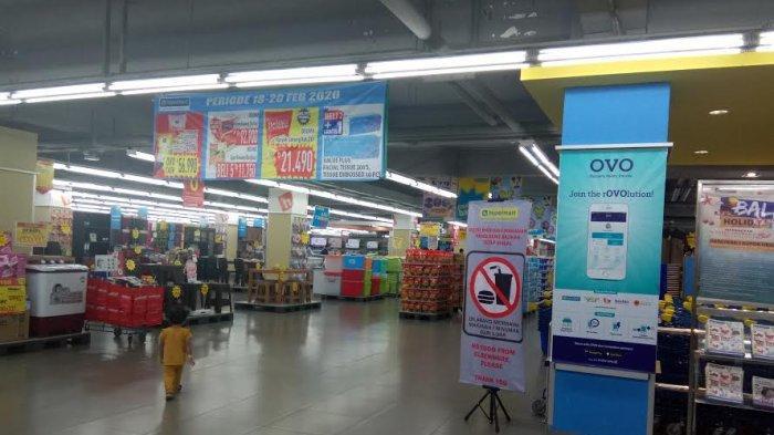 Jas Hujan Rp 109.900, Payung Rp 63.900 di Hypermart