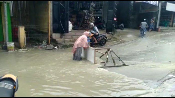 Kompleks Rumahnya Langganan Banjir Saat Hujan, Warga Mamasa Ini Mengeluh