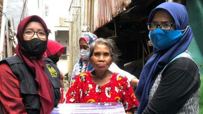 Masika ICMI Sulsel Salurkan Bantuan ke Ibu Ros di Rappokalling